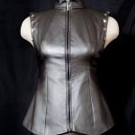 Кастомайзинг: как сшить стильный жилет из старой куртки