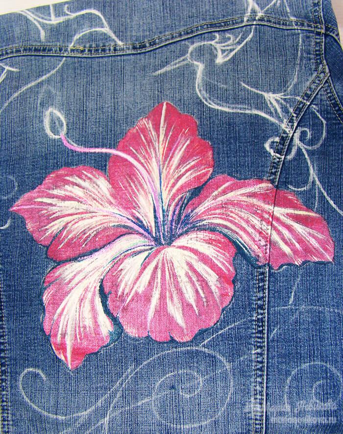 Роспись цветка на джинсовой куртке