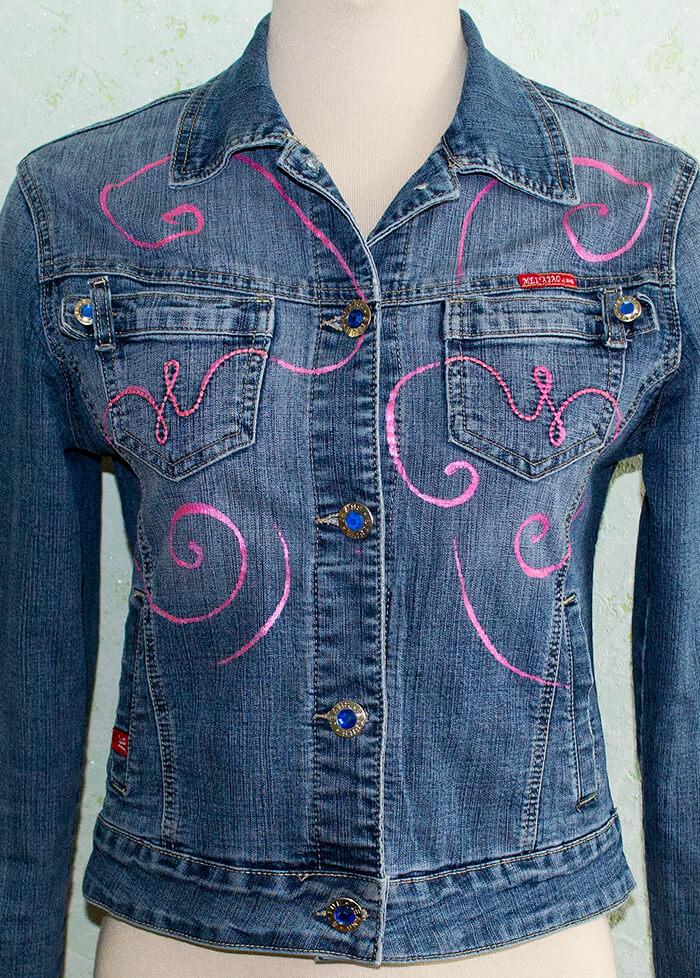 Роспись декоративных линии джинсовки спереди