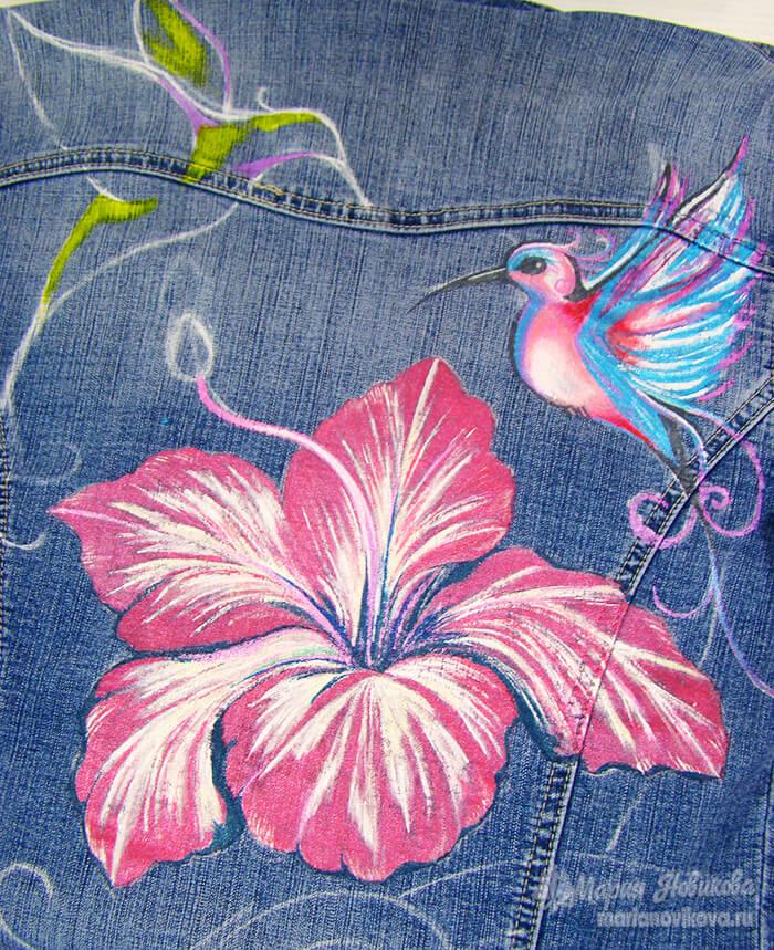 Роспись второй птички на джинсовке