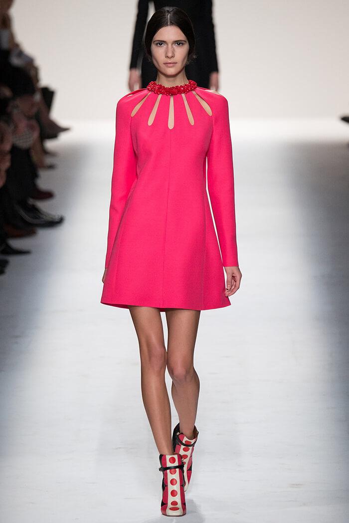 Короткое платье А - силуэта