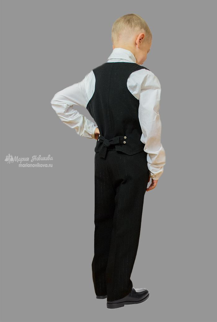 Мой племянник в брюках и жилетке