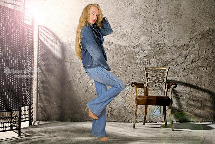 Джинсовка и джинсы клёш