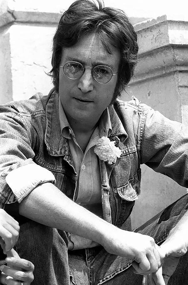 Джон Ленон в джинсовке