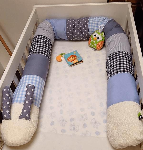Бортик-подушка в детскую кроватку