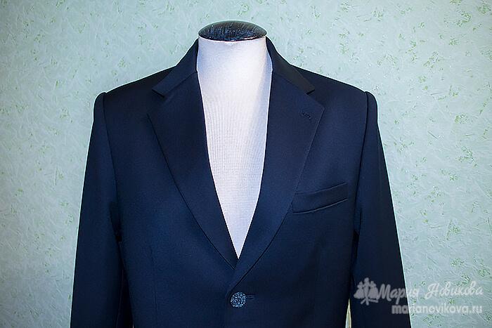 Классический воротник мужского, свадебного пиджака