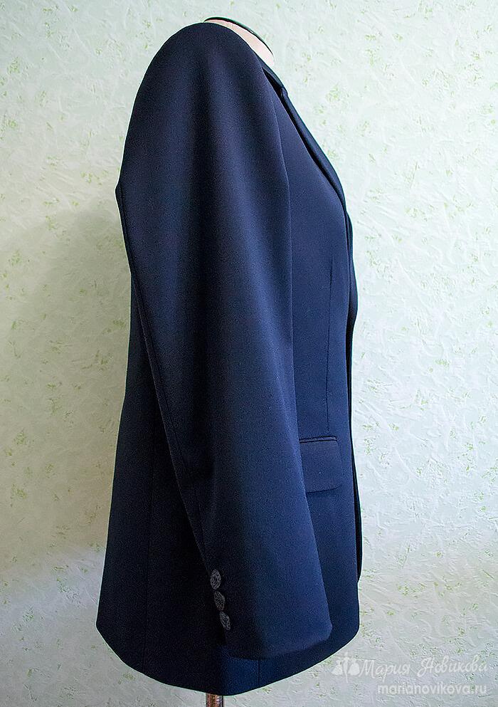 Вид сбоку мужского пиджака