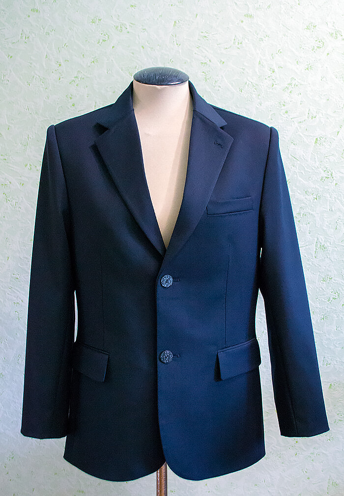 Приталенный мужской пиджак