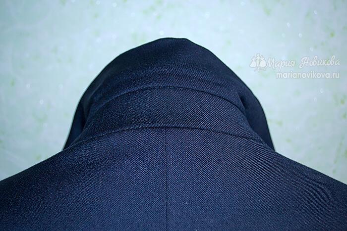 Классический воротник на стойке в мужском пиджаке